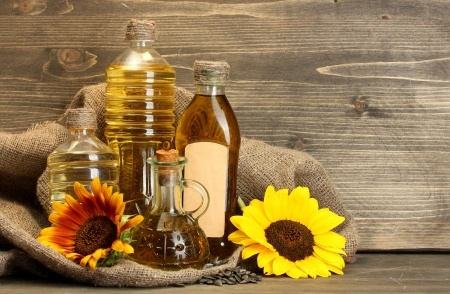 olive oil and sunflower bottles